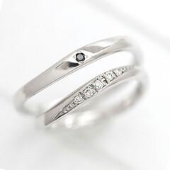 ペアリング/カップル/ダイヤ/指輪/リング/結婚指輪/... 1番人気の商品😌  結婚指輪に、石付きの…