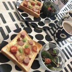 イッタラ カステヘルミ ボウル 230ml クリア | イッタラ(バット)を使ったクチコミ「朝ごパン🍞 今朝は子供達が大好きなピザト…」
