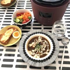 アウトレット マリメッコ シイルトラプータルハ ディーププレート20cm ホワイト/ブラック marimekko SIIRTOLAPUUTARHA | marimekko(皿)を使ったクチコミ「電気圧力鍋で末っ子くんからリクエストのあ…」