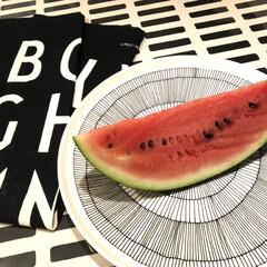 西瓜/子どもの好物/マリメッコ/美味しい/食後のデザート/スイカ/... 長男が大好きなスイカ🍉 おじいちゃんちの…