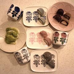 マリメッコ コーヒーカップ2個セット VIHKIRUUSU /BLACK | marimekko(マグカップ)を使ったクチコミ「昨日のおやつ◷ クリーム大福😋 苺に抹茶…」