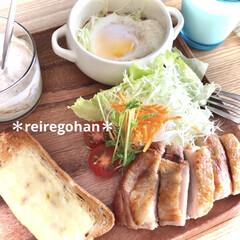 アミューズ・ブッシュ ボデガ 7.10860(皿)を使ったクチコミ「朝ごぱん🍞 ⭐️ライ麦パンのチーズトース…」