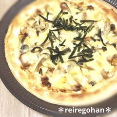 とろけるミックスチーズ 350g(チーズ)を使ったクチコミ「昨日の晩ごはんはピザ4種🥰 ⭐️照り焼き…」