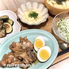 ル・クルーゼ 皿ミニ・フラワー・プレートスプリングコレクション 耐熱 耐冷 電子レンジ オーブン | Le Creuset(皿)を使ったクチコミ「昨日の晩ごはん ⭐️手羽元とたまごの酸っ…」