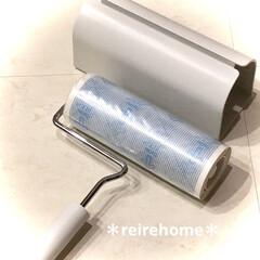 コロコロ スペアテープ フローリングクリーナー みどり C1508 / コロコロ   ニトムズ(粘着クリーナー)を使ったクチコミ「【無印良品カーペットクリーナー】 洗面所…」(2枚目)