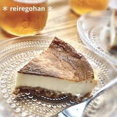 iittala イッタラ カステヘルミ プレート 17cm クリア ペアギフトセット | イッタラ(皿)を使ったクチコミ「久しぶりに ベイクドチーズケーキ作りまし…」