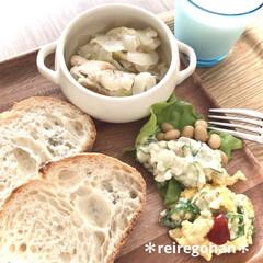 クチポール CUTIPOL テーブルフォーク ディナーフォーク MOONマット ムーンマット MO04F シルバー | クチポール(フォーク)を使ったクチコミ「お昼ごはん🥖  朝ごはん抜きだったので …」