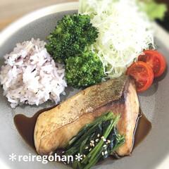 木村硝子店×イイホシユミコ dishes 180 plate | 木村硝子(お子様プレート、皿)を使ったクチコミ「テレワーク旦那のお昼ごはん🍚 ⭐️雑穀米…」(1枚目)
