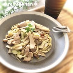 木村硝子店×イイホシユミコ dishes 180 plate | 木村硝子(お子様プレート、皿)を使ったクチコミ「今日のランチは 鶏肉とキャベツとエリンギ…」