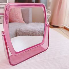 ピンク/可愛い/ダイソー/拡大鏡/手鏡/鏡/... 【ダイソー】可愛らしいキャンディカラーの…(1枚目)