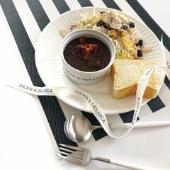 クチポール CUTIPOL テーブルスプーン ディナースプーン GOA ゴア GO.05 シルバー×ホワイト | クチポール(スプーン)を使ったクチコミ「お籠り中はサラダで美活! チアシード・ク…」