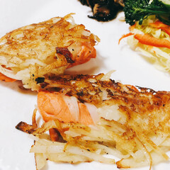 鮭/ポテト/limiaキッチン同好会/暮らし/おうちごはん 生鮭のじゃがいも包み焼き🥔  焼き鮭がボ…