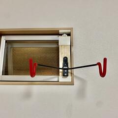 LABRICO(ラブリコ) 2×4材用アジャスター マットブラック DXK-1 ツーバイフォー材 パーツ 0個(その他建築金具)を使ったクチコミ「賃貸物件なので、LABRICOシリーズと…」(2枚目)