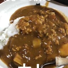 晩ご飯/黒猫/くろ/にこ/猫/めん 今日も一日お疲れ様です。 晩ご飯は煮しめ…(1枚目)