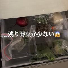 野菜室/冷蔵庫の中 昨日野菜室がガラガラになり明日のカレー曜…(2枚目)