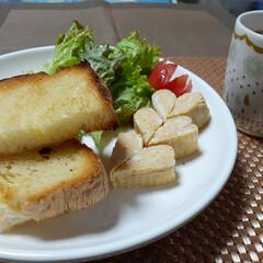 あさごはん/リミとも部/トースト/おうちごはん/パン食 おはよーございます🥰  今日はあさごはん…