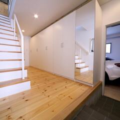 住宅/家づくり/建築/設計/ガレージ/ガレージハウス/... 八千代の住宅|エントランスホール