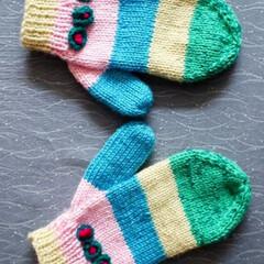 手編みの手袋 実家の母が私の義母に編んでくれた手袋です…