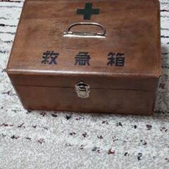 救急箱/初雪 押し入れの中から義母の使っていた救急箱を…