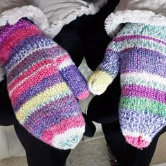 義母の手袋/編物 実家の母が義母の為に編んでくれました。デ…