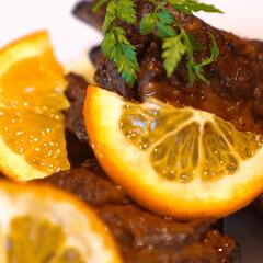 スペアリブ/豚肉料理/おうちごはん/おうちレストラン/おうちカフェ/簡単おいしいレシピ/... 「圧力鍋を超える!スペアリブのオレンジ煮…