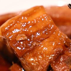 おうちごはん/豚肉レシピ/豚の角煮/豚角煮のレシピ/おうち居酒屋/家飲み/... 「極上!豚ばら角煮」  とろとろ脂と柔ら…