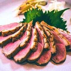 おうちごはん/おうちレストラン/おうち居酒屋/簡単レシピ/ごちそうレシピ/鴨肉料理/... 「合鴨の和風ロース煮」   ロゼ色で狙っ…
