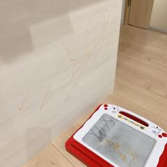 コンドル たわし メラミンスポンジL FU491-000X-MB 清掃用品・たわし・スポンジ(掃除用ブラシ)を使ったクチコミ「子供に油性ペンで盛大に落書きされました😭…」(1枚目)