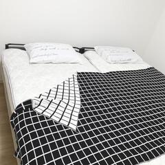 ベッドルーム/ベッド/モノトーンインテリア/便利グッズ/便利アイテム/暮らしを楽しむ 寝具類を夏仕様にしました🤗✨モノトーンブ…