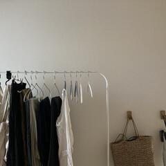 マキタ 収納/壁につけられる家具/IKEA収納/無印収納/シンプルな暮らし/IKEA/... ‡ クローゼットとはべつに一時的に服をか…