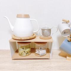 ホーロー/ケトル/紅茶/ニトリ/無印良品 ❁*॰  お部屋のお気に入りスポットです…