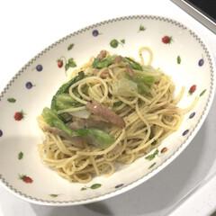 ディナー/スパゲッティ/ペペロンチーノ/パスタ/夜ご飯/簡単/... 昨日の夜ご飯は冷蔵庫にある物だけでペペロ…