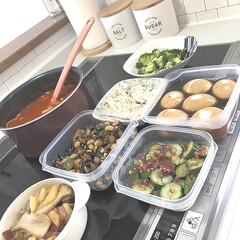 作り置きおかず/お弁当のおかず/つくおき/作り置き/タッパー/IKEA/... 作り置き🍚 ・ブロッコリーの塩茹で ・サ…