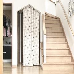物干しロープ/洗面室/手作りカーテン/垂れ壁/カーテン/階段/... 娘が勝手に撮っていたシリーズ📷 リビング…
