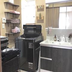 Seria/セリア/ダーグブラウン/DIY棚/洗面台/洗面室/... 我が家の洗面室。 1坪しかありませんが棚…