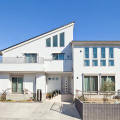 二世帯住宅/富士住建/注文住宅 玄関共有の二世帯住宅、窓と屋根にこだわり…