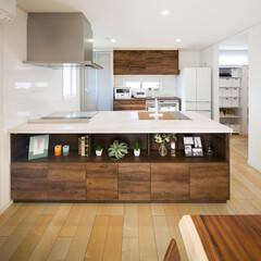 富士住建/自然素材/木の家 とっても大きなアイランドキッチン カウン…