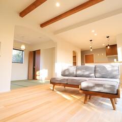 モミの木の家/アットハウジングアズ/木の家/木造 大きな窓から自然を望むモミの木の家。 家…