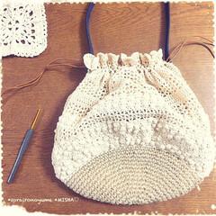 巾着バッグ/タコ糸編み/麻ひもバッグ/かぎ針編み/編み雑貨 麻ひも×タコ糸編みの巾着バッグです。  …(3枚目)