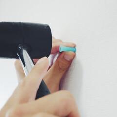扇風機/DIY/夏対策/便利グッズ/購入品 下地や柱がない洗面所の一角にアンカーを使…(3枚目)
