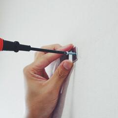 扇風機/DIY/夏対策/便利グッズ/購入品 下地や柱がない洗面所の一角にアンカーを使…(5枚目)