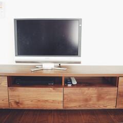 おすすめ商品/収納/テレビ台/テレビボード/簡単 現在の我が家のテレビ台ですが、ボード裏に…