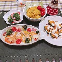 クリスマスインテリア/ブロッコリー/山本ゆりさんレシピ/カボチャのグラタン/さつまいも/かぼちゃ 今日の夕食~~🌠 (かぼちゃづくし🎃) …