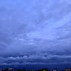 空 🌈🌻🌺🌴🏖  昨日の19:00の空   …(1枚目)