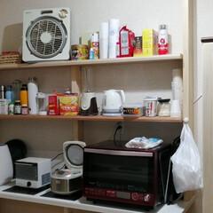 キッチンツール/キッチンアイテム/キッチン道具/台所アイテム/オススメキッチンアイテム 最近作ったキッチン周りの棚です。 実用性…