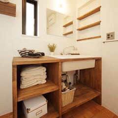 滋賀注文住宅/注文住宅/洗面室/一級建築士事務所/住まい/不動産・住宅/... 木のぬくもりに溢れたお洒落な造作洗面台。…