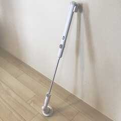 バスポリッシャー 充電式 お風呂掃除 掃除 クリーナー 浴室 ハンディ ホワイト IS-BP4 ベルソス(掃除用ブラシ)を使ったクチコミ「お風呂掃除を楽にやりたい! 届かない壁や…」