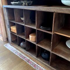 棚/古道具のある暮らし/古道具/インテリア/ライフスタイル/暮らしを楽しむ/... 古家具がすきで、古材の棚など並べています…(2枚目)