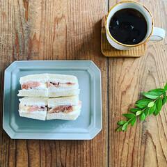 無花果/おうちごはん/おうちカフェ 無花果のフルーツサンドです。  家庭菜園…