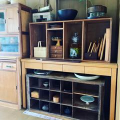棚/古道具のある暮らし/古道具/インテリア/ライフスタイル/暮らしを楽しむ/... 古家具がすきで、古材の棚など並べています…(1枚目)